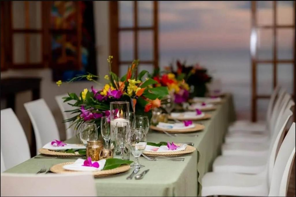 A photo of a reception table at a Costa Rica wedding.